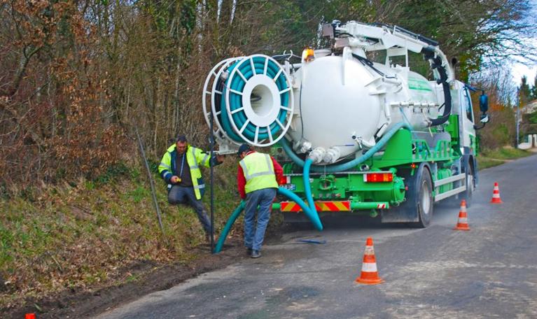 Nettoyage de fosse septique par Desvergnes Assainissement